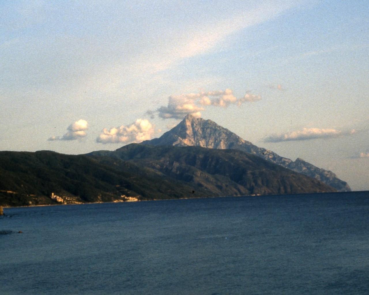 Agios_Oros_peak_Holy_Mount_Athos-with-seacoast-monasteries-picture