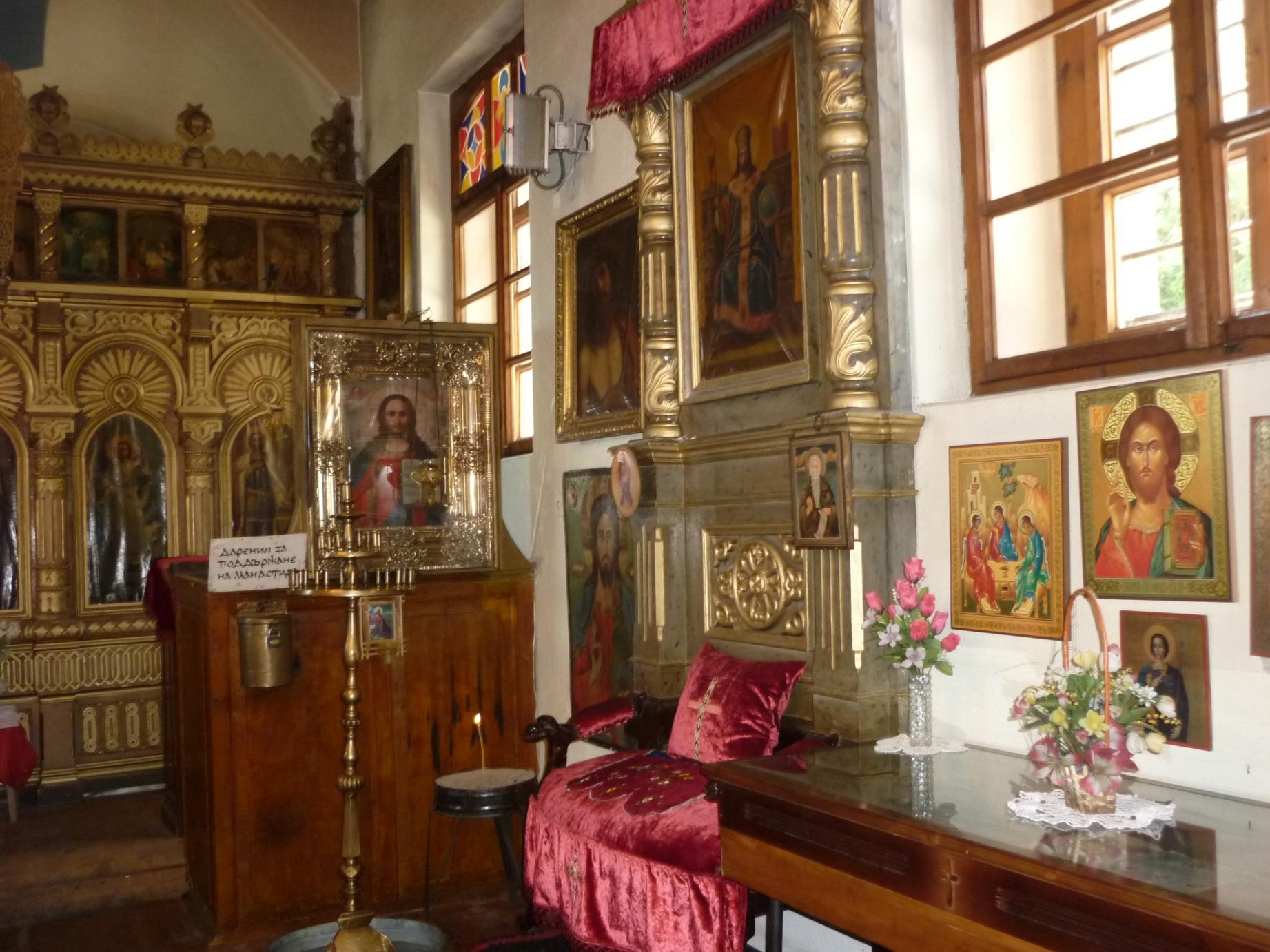 Bakadjishki-monastery-Sv-Spas-interior-Bulgarian-monastery-near-Yambol