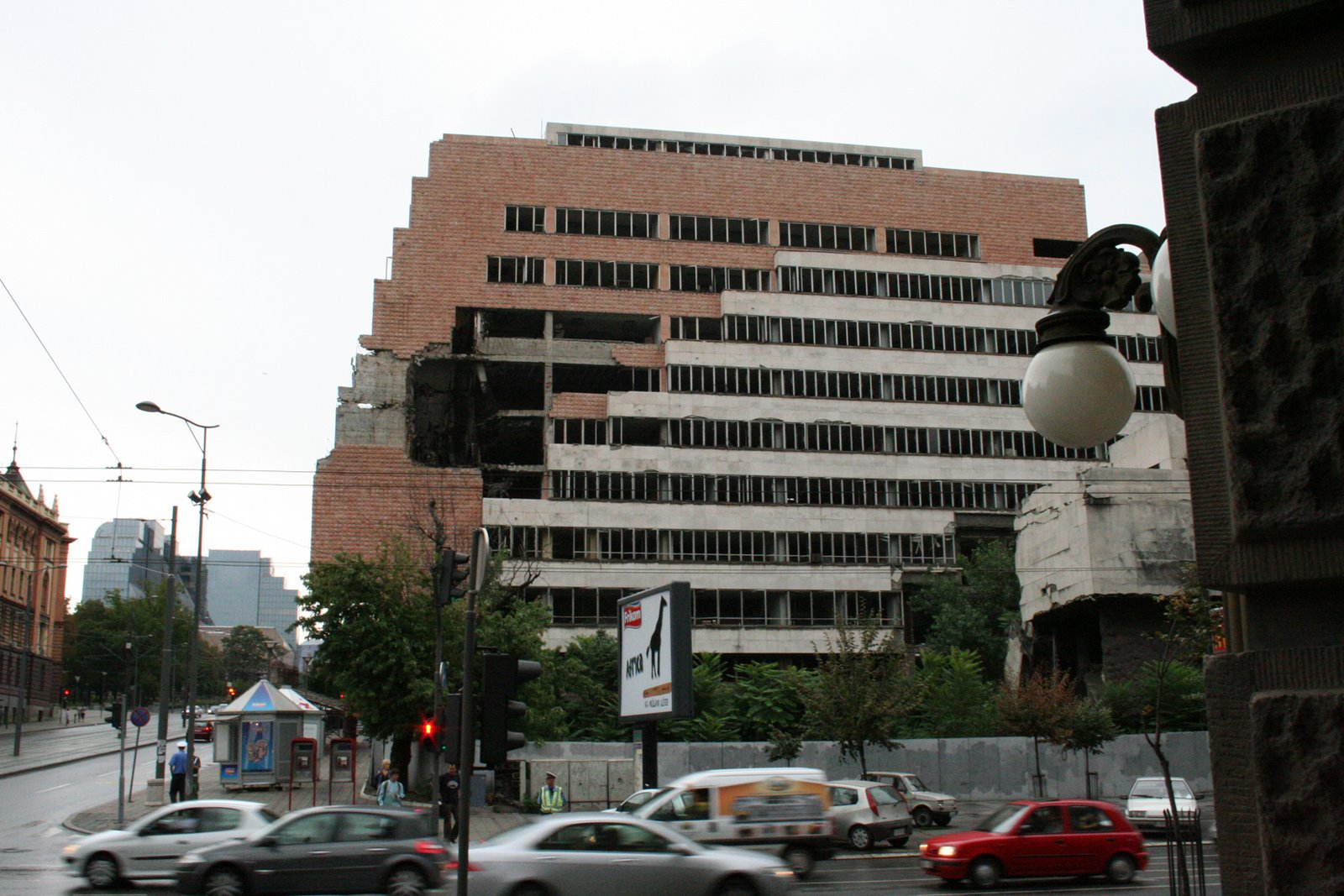 serbia-belgrade-bomb-damage-building-in-beograde