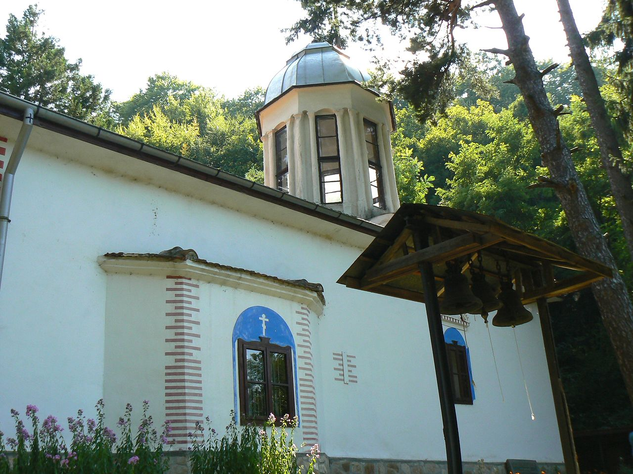 Divotino-monastery-church-building-near-bankya-monastery