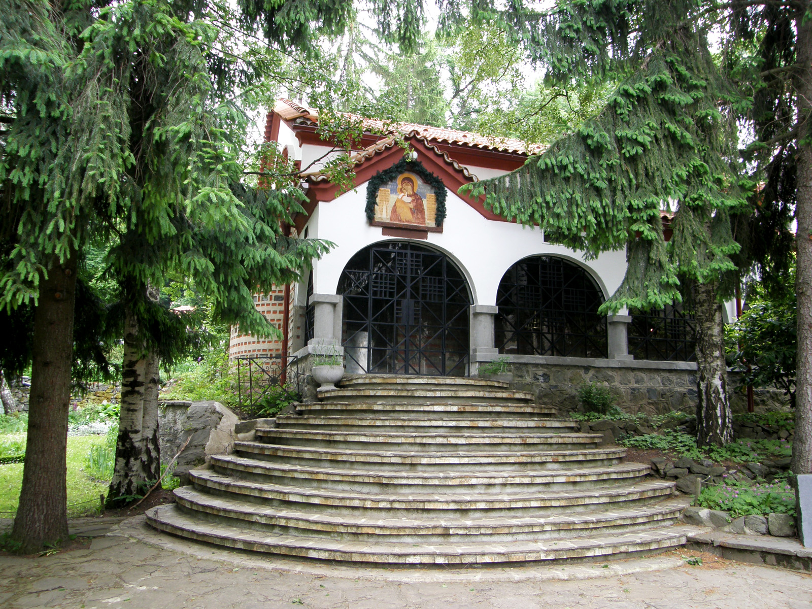 Dragalevski-Manastir-entrance-icon-Holy-Virgin-Mary