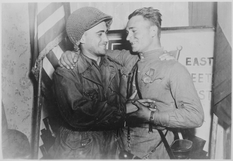 Russian_Army_meeting_American_Army-Elba-day