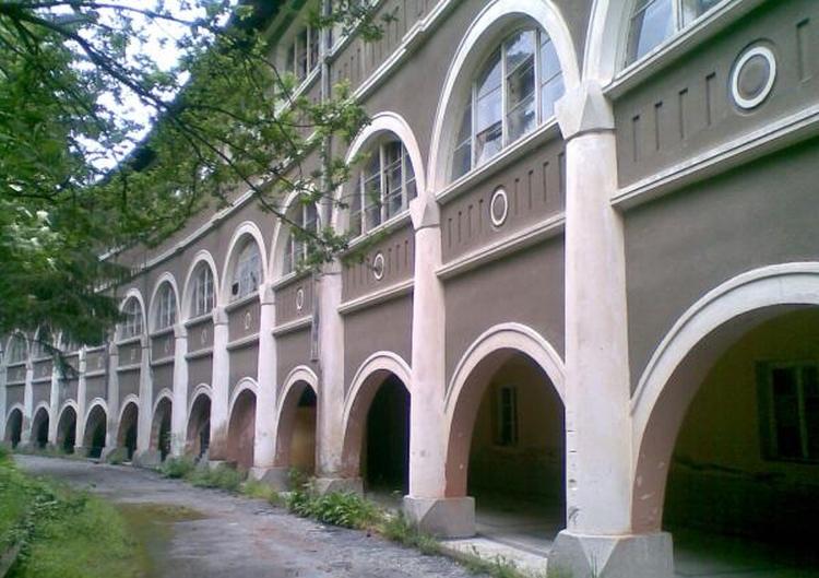 Saint_Panteleimon-Monastery-Patleina-region-monastic-walls