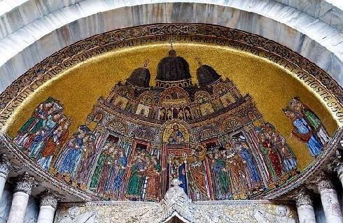 St_Marks_Burial_basicila-with-holy-relics-of-saint-Mark