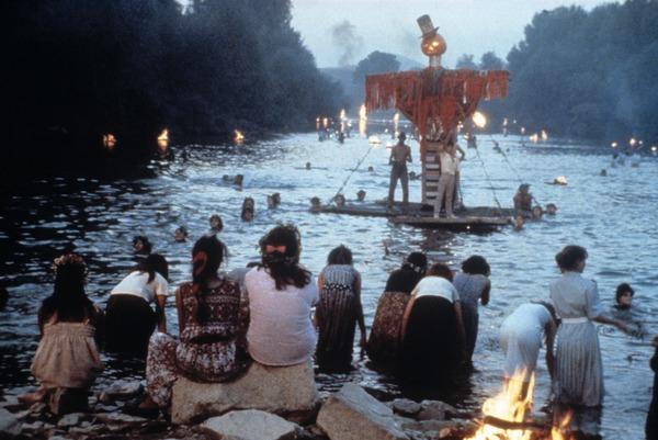 TimeOfTheGypsies-water-gathering