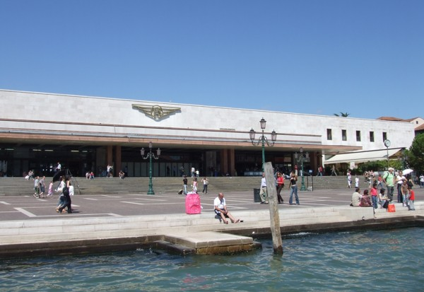 Venice_Italy_train_station_nearby_water_canals
