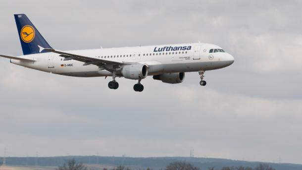 a320-lufthansa-airbus-plane