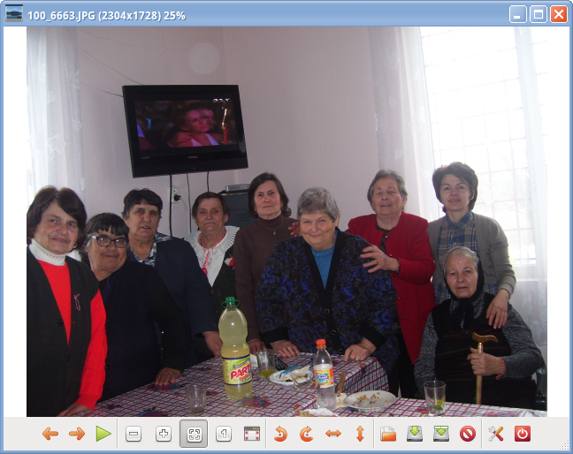 gpicviewer grandmothers screenshot on Xubuntu Linux