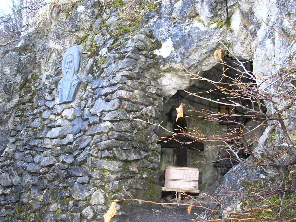 hermit_cave_of_saint_John_of_Rila_near-his-birthplace