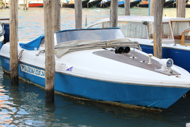 italy-Venice-water-yacht-resized