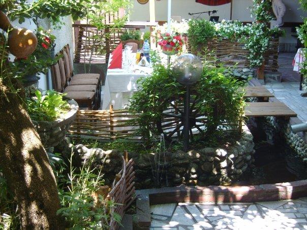 kaizer-krychma-traditional-inn-pub-near-Troyan-monastery