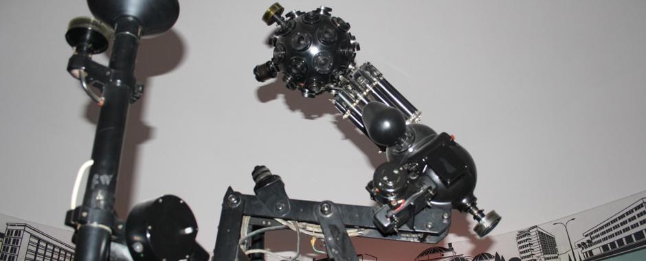 karl-zeiss-planetarium-projection-device-yambol-planetarium