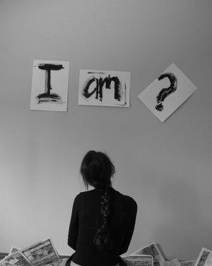 who am I / no identity