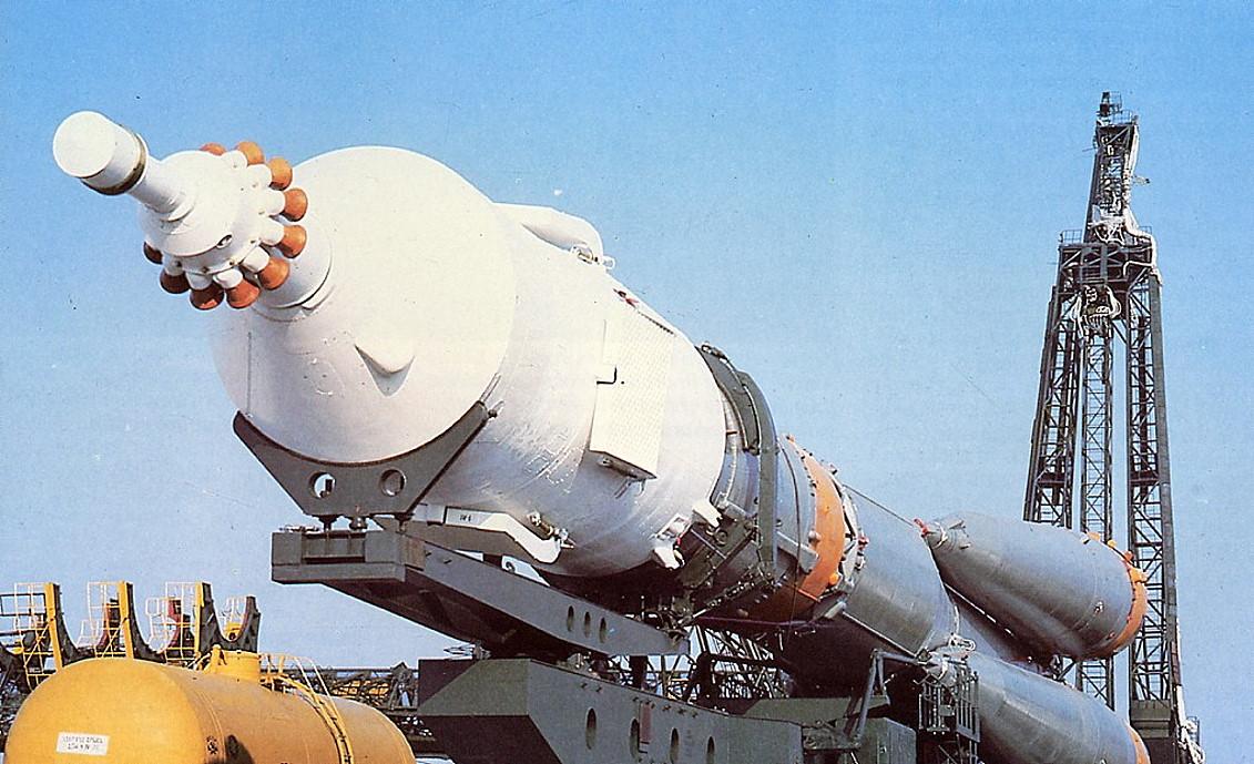 soyuz-33_spaceship_pad