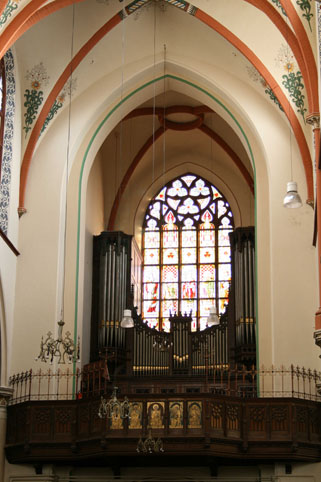 st-Martenius-Arnhem1816-organ-above-Church-entry-door