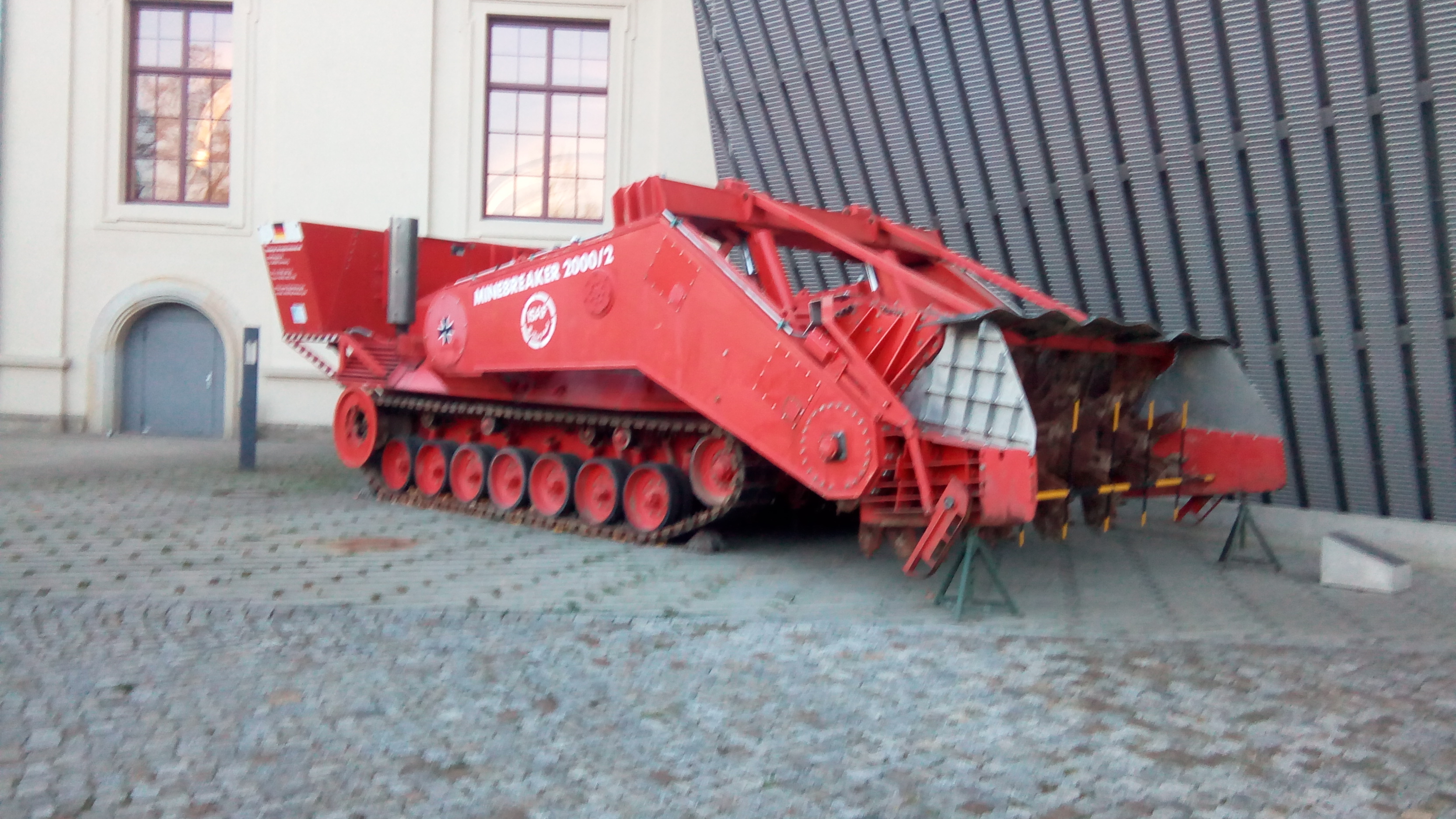war-museum-1-anti-mining-heavy-vehicle